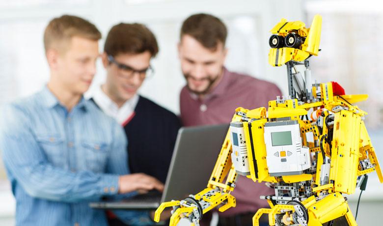 人工知能 (AI) を仕事に活用する方法