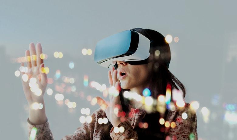 VR、AR、ドローンで体験する次世代アートとは