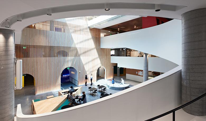 企業文化を保つためにAirbnbが取り組んだオフィス拡張計画とは?